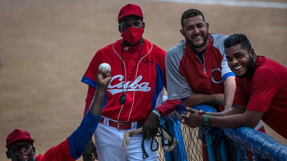 US grants Cuban baseball players visas days before tourney