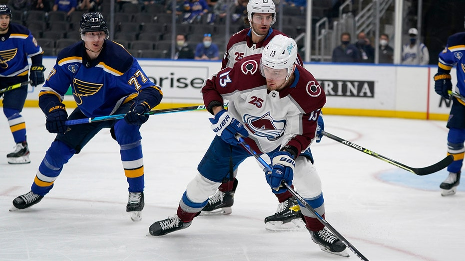 Avalanche looking ahead in playoffs after sweep of Blues