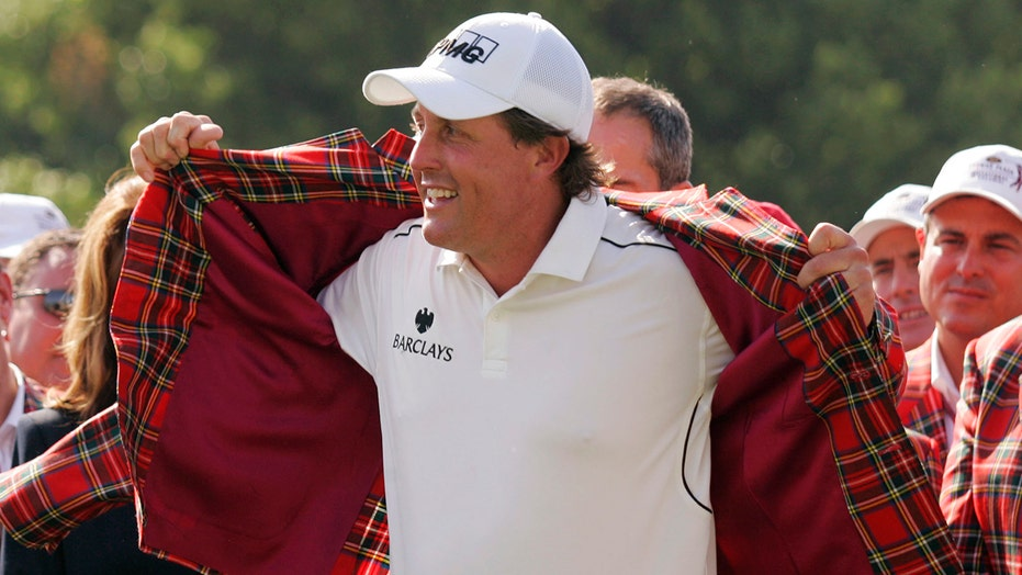 Mickelson tries to focus at Colonial after historic PGA win