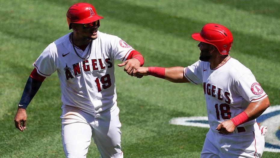 Ward's 3-run homer, 5 RBIs lead Angels over Rangers 9-8
