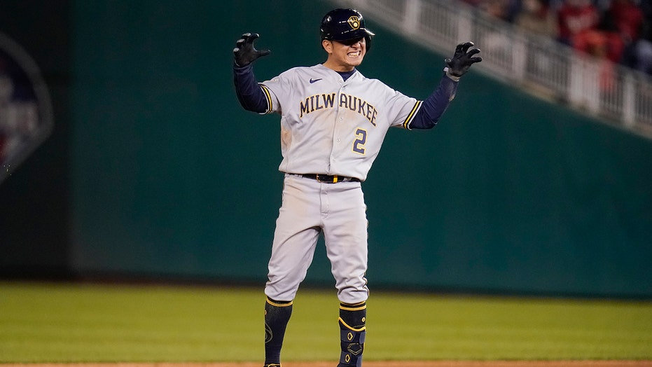 Brewers sweep Nationals in day-night doubleheader