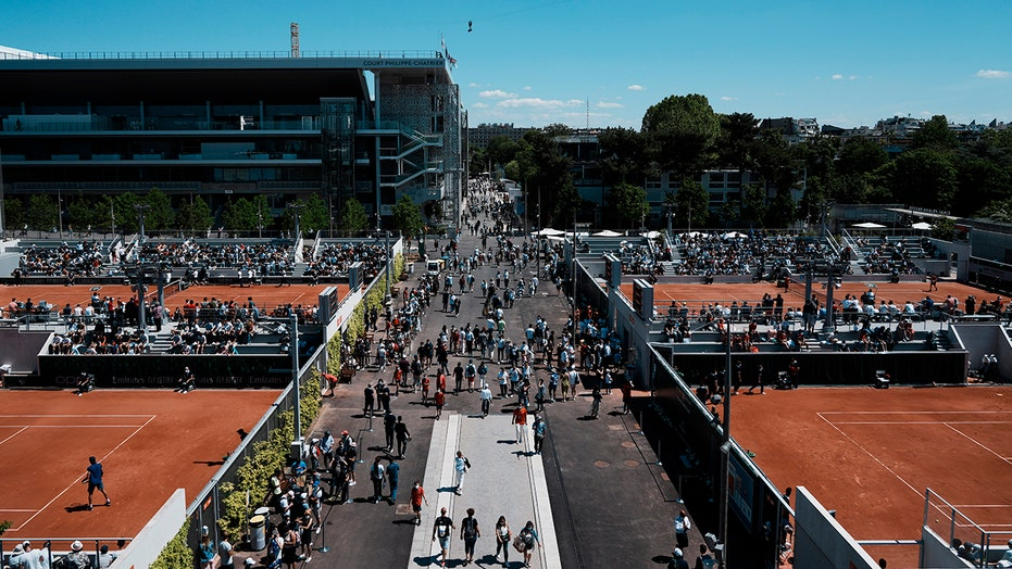 More fans, May weather: 2021 French Open is closer to normal