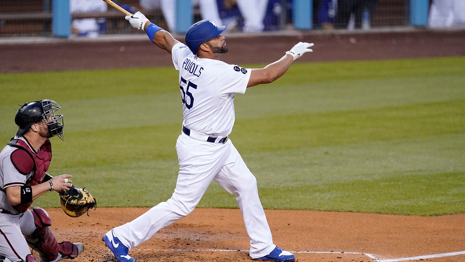 Dodgers get HRs from Smith, Pujols in 3-2 win over D-backs