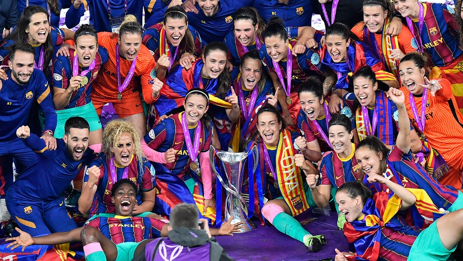 Barcelona routs Chelsea 4-0 to win WCL final for 1st time