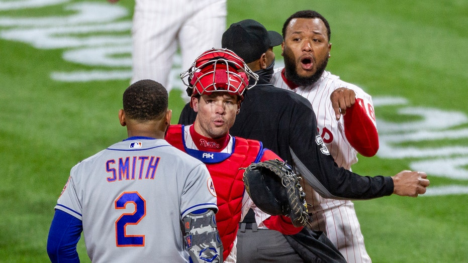 Mets' Dominic Smith calls out Phillies pitcher after incident: 'He can meet me in the tunnel'