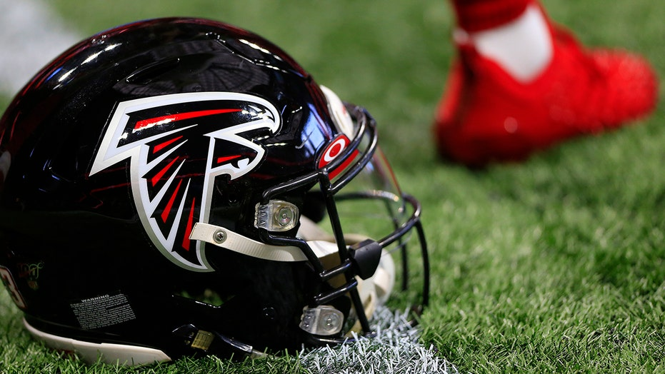 Ex-college football star says he's victim of Falcons minicamp hoax: 'Thought it was a legit opportunity'