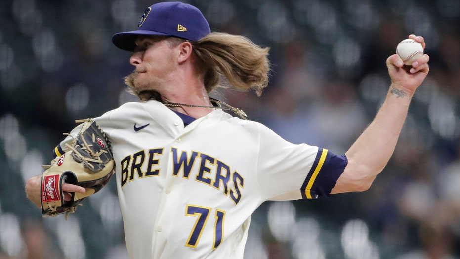 Padres rally in 9th vs Brews stalls, 9-game win streak ends