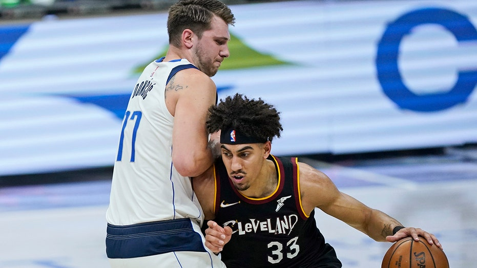 Doncic ejected in Mavericks' 124-97 victory over Cavaliers