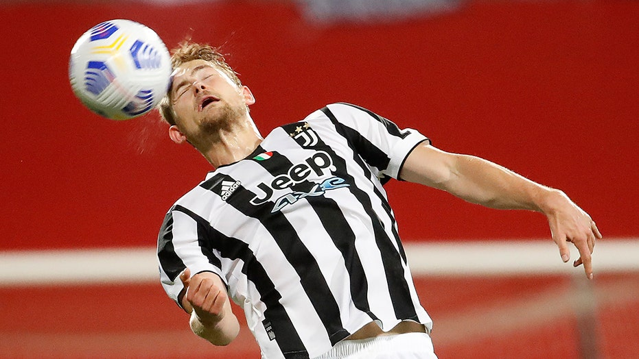 Dutch soccer star Matthijs de Ligt plans to avoid COVID-19 vaccine