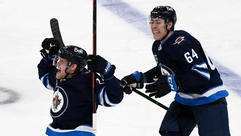 Jets storm back from 3-goal deficit, top Oilers 5-4 in OT