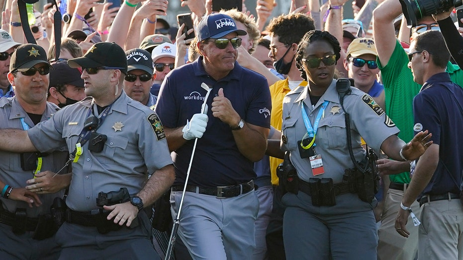 PGA apologizes for chaotic crowd situation on major's final hole