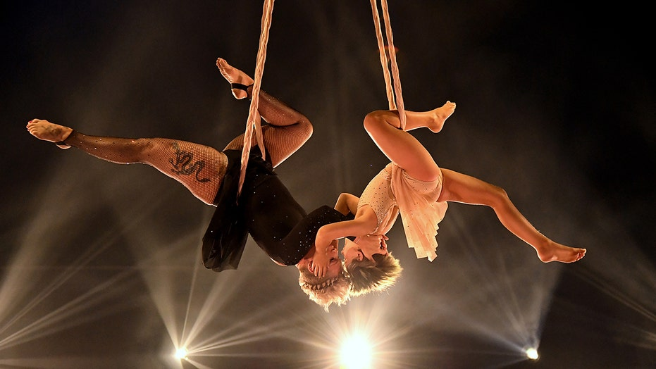 Billboard Music Awards sees Pink's daughter Willow join her in acrobatic stunt performance