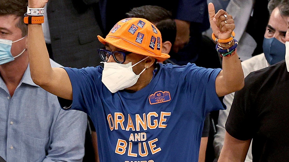 Knicks fans create chaotic scene outside Madison Square Garden after team's playoff win