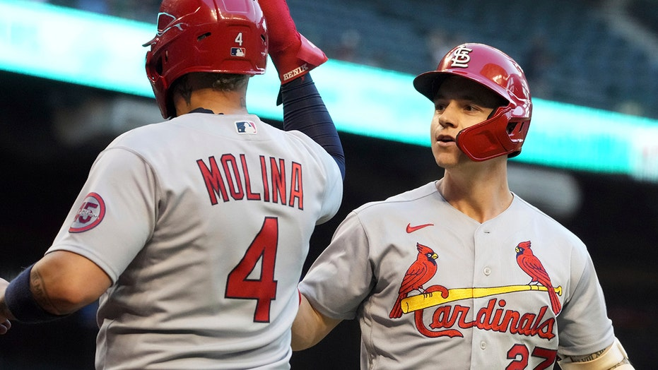 Molina's double in 10th leads Cards past skidding D-backs