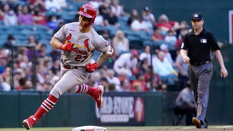 O'Neill homers in Cards' win, D-backs lose 12th straight