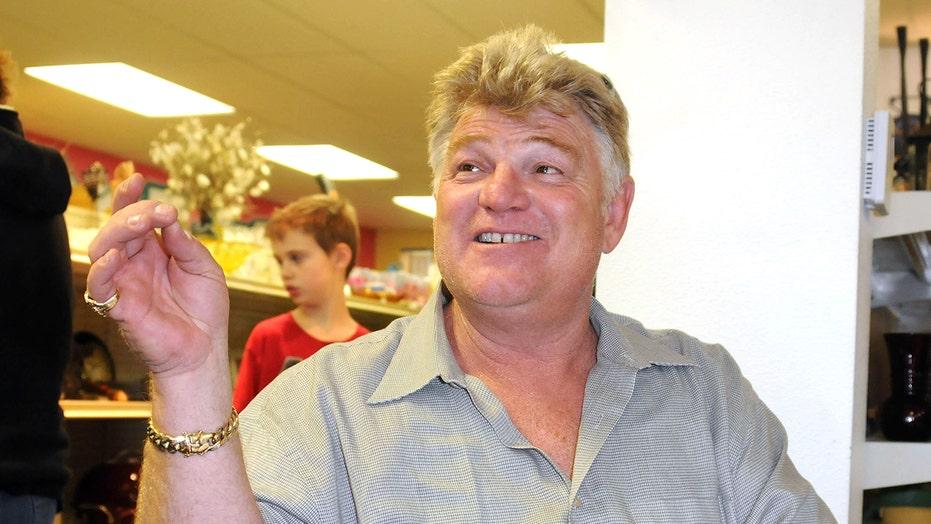 'Storage Wars' star Dan Dotson had finger bitten off by his dog