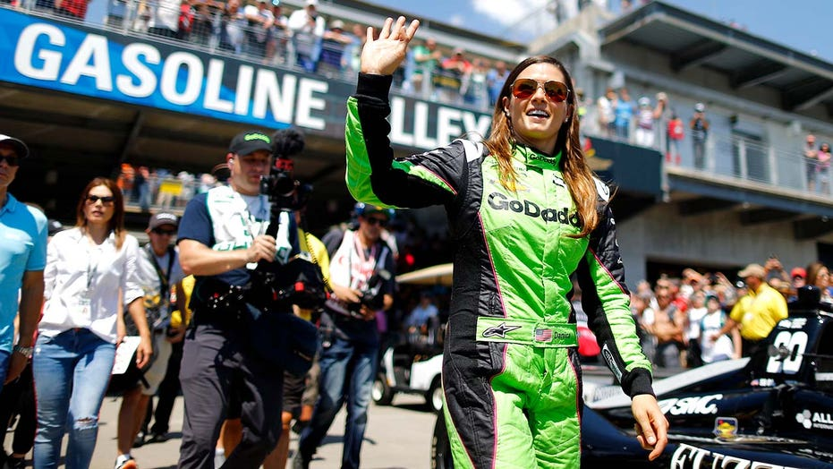 Danica Patrick returning to Indy 500 … to drive pace car