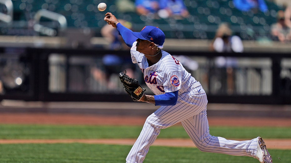 Peraza leads Mets over Rockies 1-0, 4-2 for twin-bill sweep