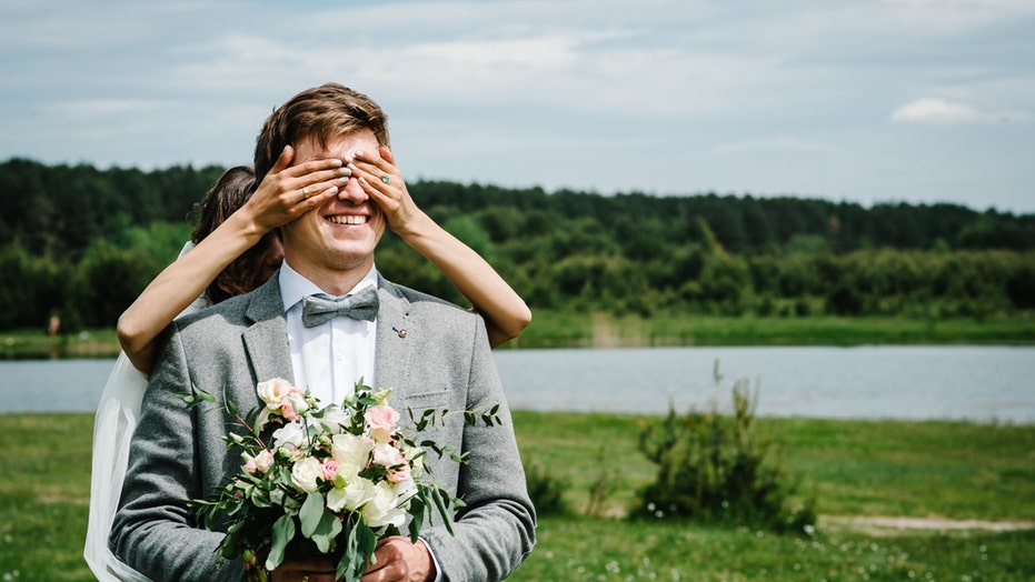 Best man pranks groom, pretends to be bride during first look, viral video shows