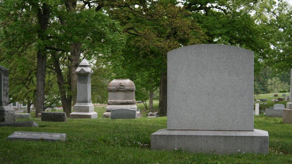 Utah woman's headstone has her fudge recipe engraved on the back