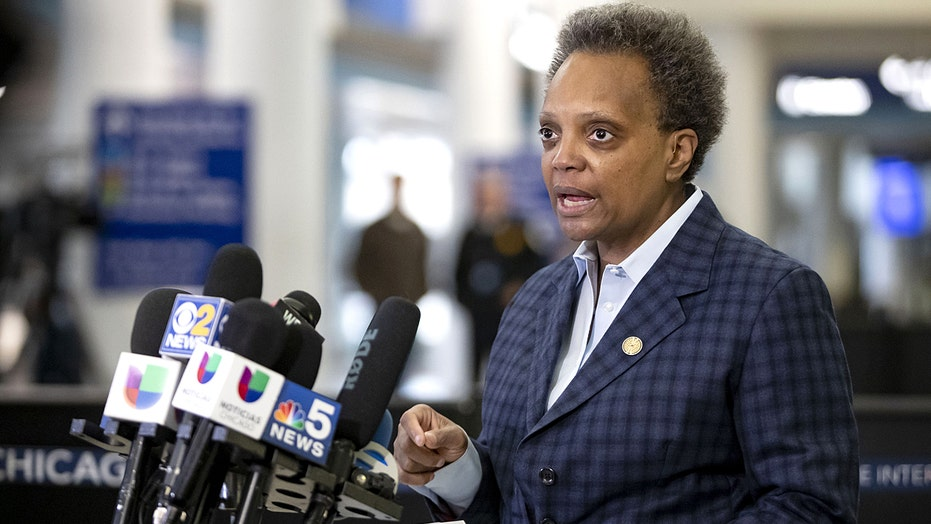 Chicago cops issue no-confidence vote for Mayor Lori Lightfoot, citing 'slap in the face'