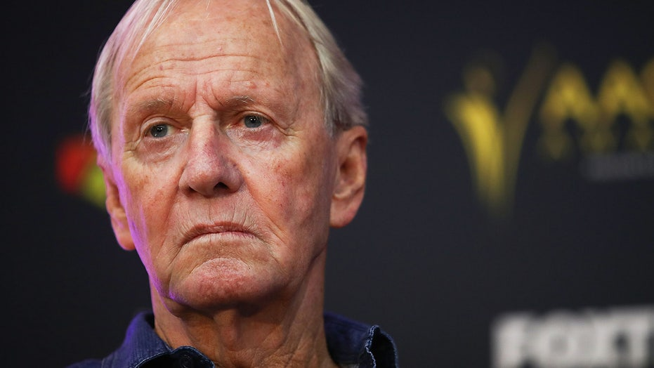 'Crocodile Dundee' star Paul Hogan scorches Venice Beach's homeless in note posted outside of his home: report