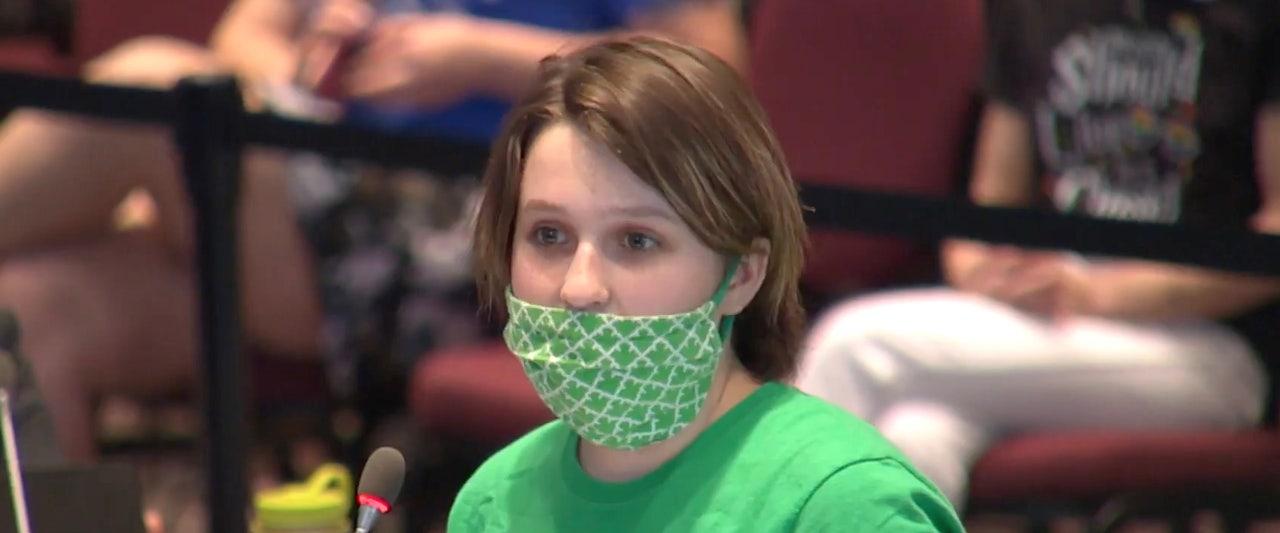 8th grader rips school proposal allowing 'boys into girls locker rooms'