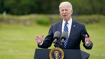 White House freezes Ukraine military aid package: report