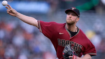 D-backs match MLB record with 22nd straight road loss