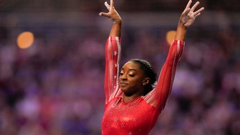 Celebs support Simone Biles after gymnast withdraws from Tokyo Olympics team final