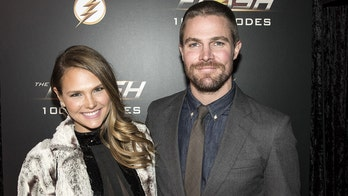 'Arrow' star Stephen Amell kicked off flight after heated argument with wife