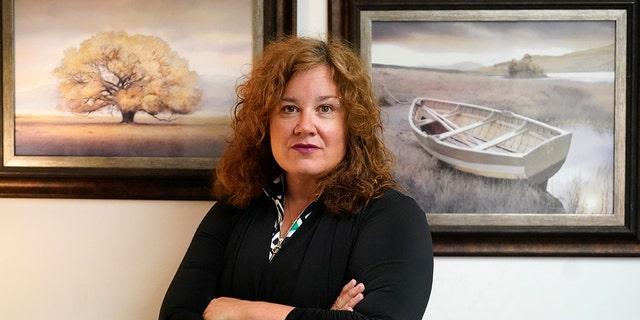 Natasha Helfer poses for a portrait, Maandag, Junie 7, 2021, in Holladay, Utah. (AP Photo / Rick Bowmer)