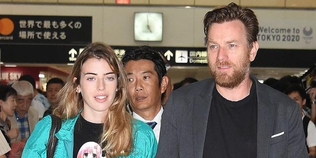 NARITA, JAPAN - SEPTEMBER 04: Ewan McGregor and daughter Clara McGregor are seen upon arrival at Narita International Airport on September 4, 2018 in Narita, Japan. (Photo by Jun Sato/GC Images)