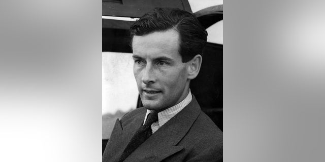 Peter Townsend, who was barred from marrying Princess Margaret in the 1950s, 死在 1995 在年龄 80.