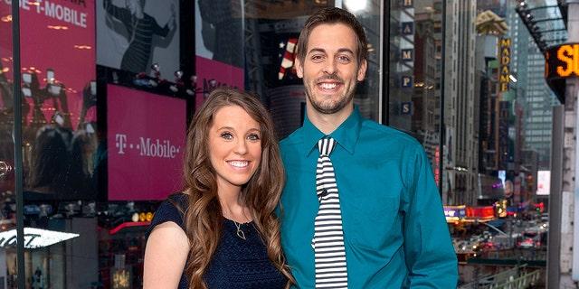 Jill Duggar Dillard (L) and husband Derick Dillard experienced a miscarriage.