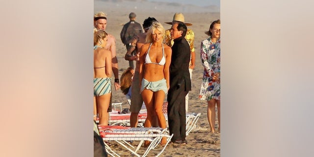 Actors Lily James and Sebastian Stan re-enact the famous beach wedding of Pamela Anderson and Tommy Lee on a Mexican beach.
