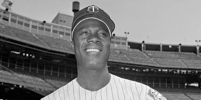 "Minnesota Twins pitcher Jim ""Mudcat"" Grant is seen June 21, 1964. (Associated Press)"