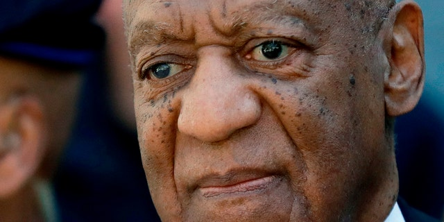 Pennsylvania's highest court has overturned comedian Bill Cosby's sex assault conviction.