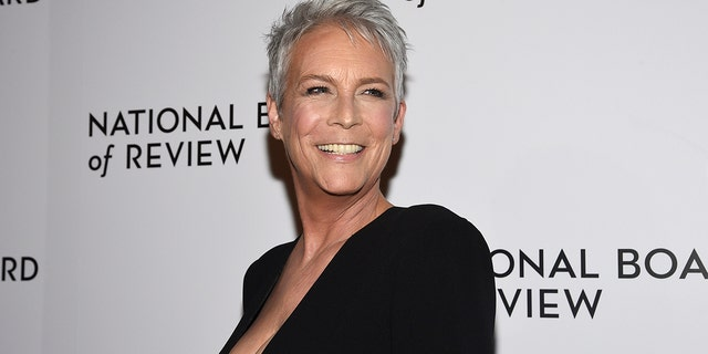 Jamie Lee Curtis got candid about what she really thinks of today's plastic surgery and social media trends.