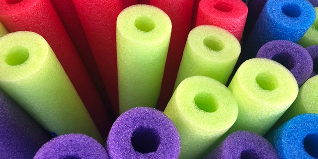 A college student from Ohio checked a pool noodle as her free second bag on a Southwest Airlines flight to Florida. The video she posted about it on TikTok has gone viral. (iStock)