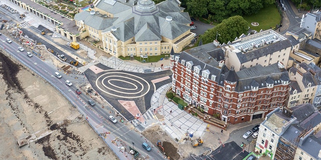 British drivers baffled by bizarre roundabout painted on road