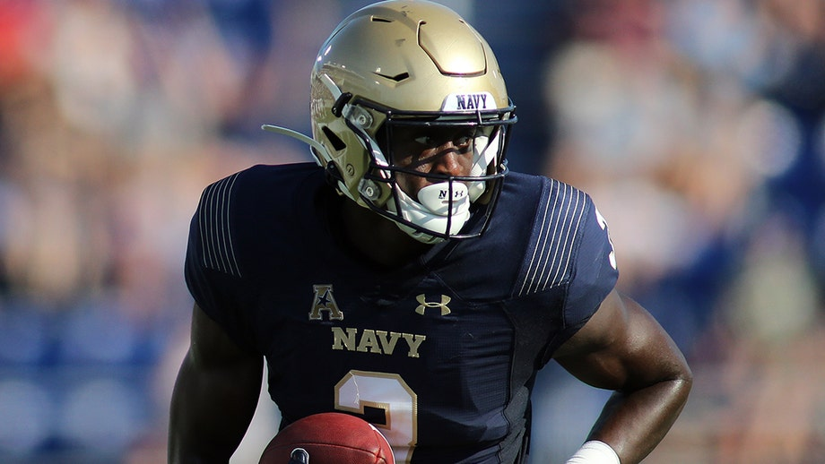 Bucs' Cameron Kinley living 'double life' as he awaits clarity from Navy on NFL pursuit