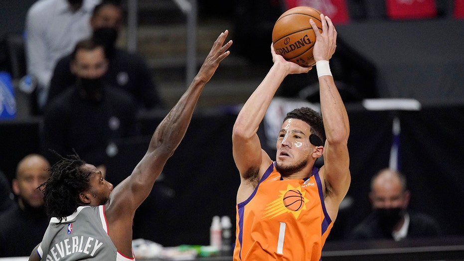 Suns outlast Clippers 84-80, take 3-1 lead in West finals