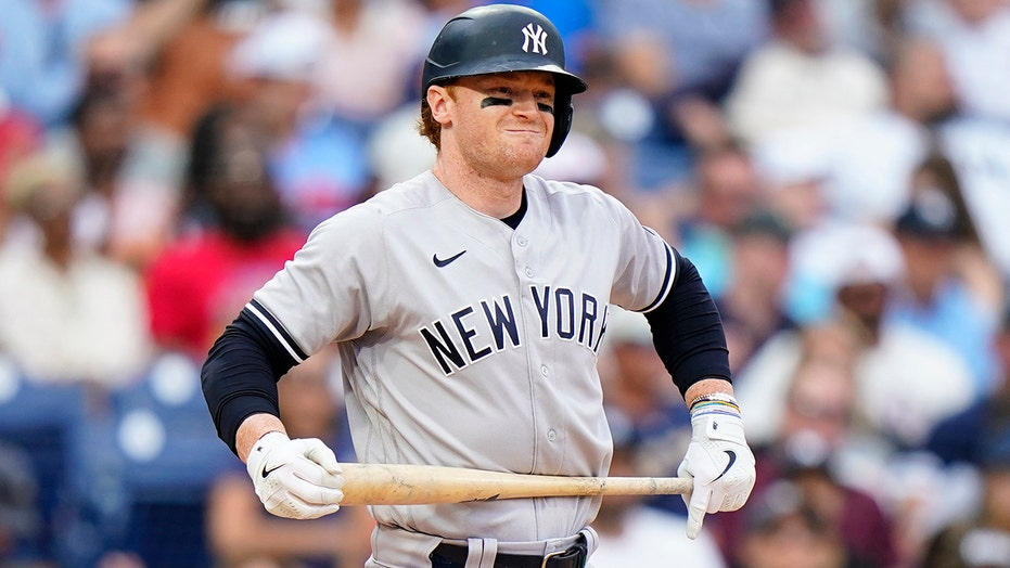 Frazier snaps tie, Yankees come back to beat Blue Jays 6-5