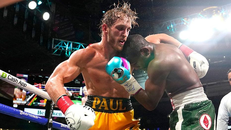 Floyd Mayweather has 'fun night' going distance with Logan Paul