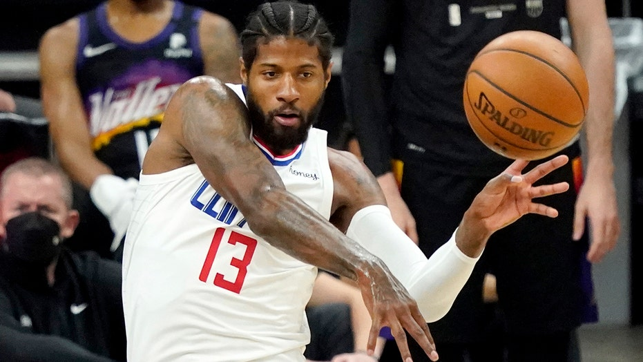 Paul George helps Clippers stay alive with epic performance in Game 5