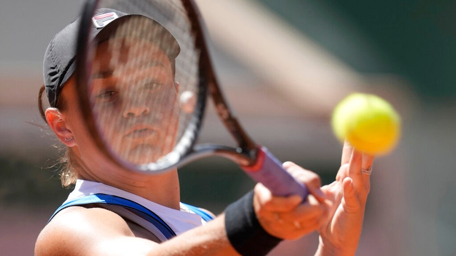 Top-ranked Barty advances at French Open, Rublev eliminated