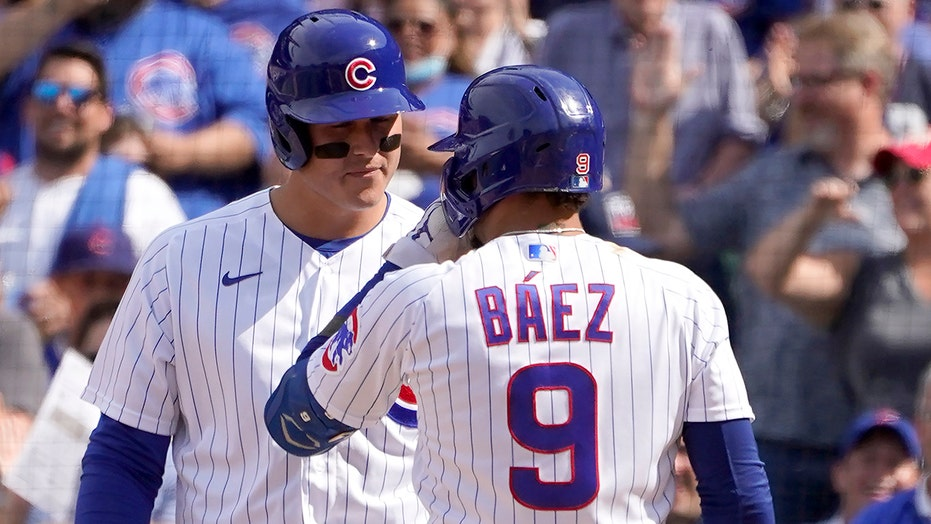 Baez, Rizzo lead surging Cubs past Padres 6-1