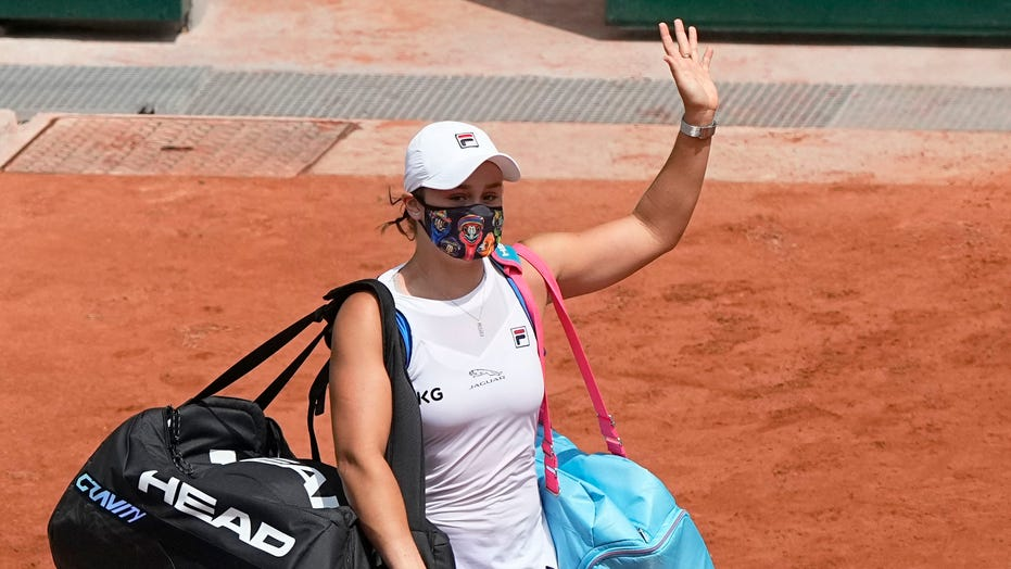 Top-ranked Ash Barty retires from French Open with injury