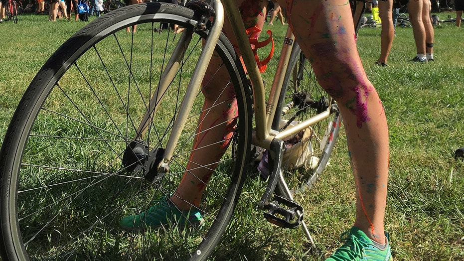 'Philly Naked Bike Ride' participants required to wear only one item — a face mask